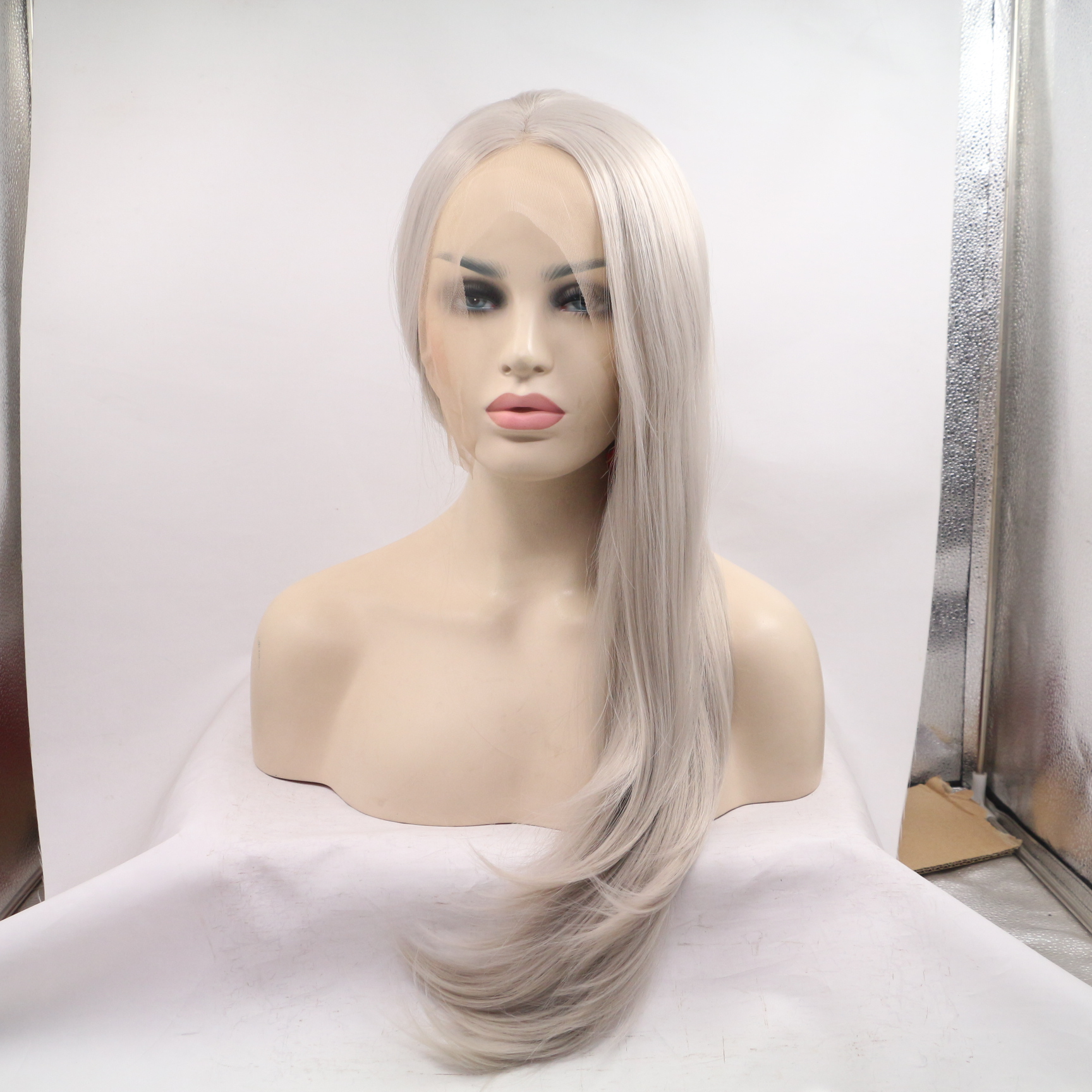 2018 New Arrival Silver Grey Long Wavy Synthetic Lace Front Wig 180% Density Lace Wig Lace Frontal