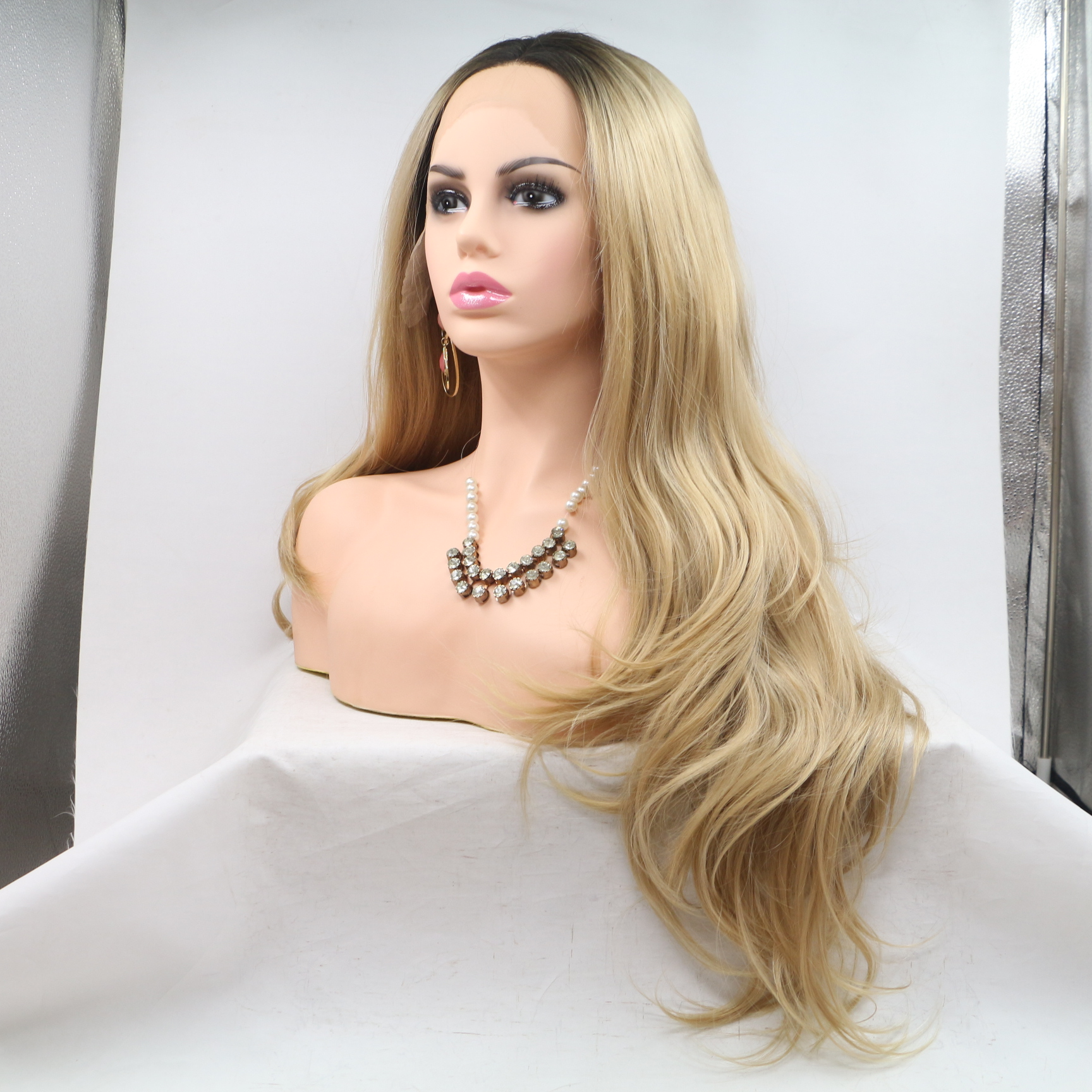2018 New Arrival Chesenut Brown Ombre Long Wavy Synthetic Lace Front Wig 180% Density Honey Brown Ombre Wavy Lace Wig