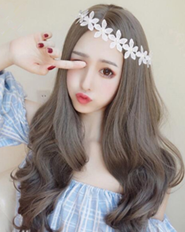 FESHFEN 2018 New Linen Grey Middle Part Long Wavy Lolita Wig With Bang Cute Steel Grey Wavy Costume Wig For Women
